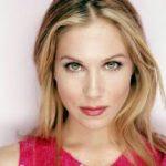 """Christina Applegate, estrela de """"Samantha Who?"""", se casou com mulher"""