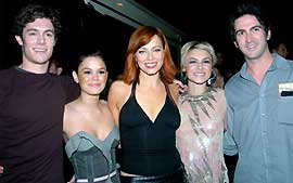 Josh Schwartz e o elenco de 'The O. C.'