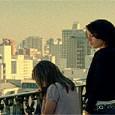 Alice percebe o que São Paulo pode lhe oferecer. Depois de uma conversa com o advogado responsável pelos bens do seu falecido pai, Alice decide contratar uma advogada e lutar […]