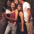 """Uma excelente notícia para os fãs da saudosa série """"Felicity"""": o canal Sony resolveu ressucitar o seriado na sua grade de programação. Exibida entre 1998 e 2002, """"Felicity"""" teve quatro […]"""