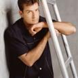 """E a novela Charlie Sheen x """"Two & a Half Men"""" finalmente terminou. A Warner Bros. Television anunciou na última segunda-feira, dia 07 de março, que o ator está oficialmente […]"""