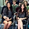 """O final da 2ª temporada de """"Pretty Little Liars"""" que foi ao ar na última segunda-feira, dia 19 de março, nos Estados Unidos, trouxe revelações bombásticas sobre quem, de fato, […]"""