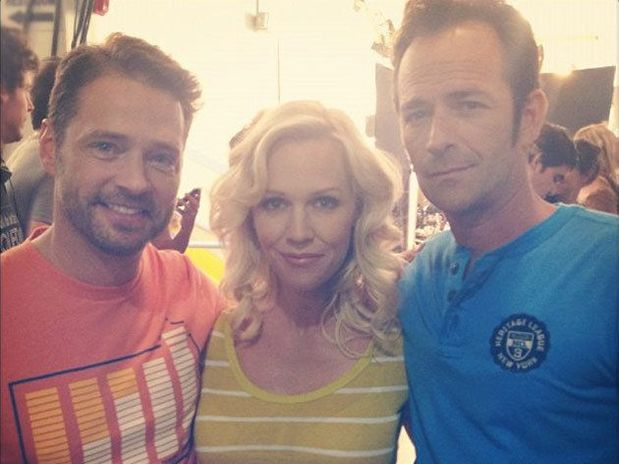 Jason Priestley, Jennie Garth e Luke Perry