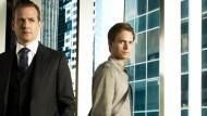 """Excelente notícias para os fãs dos ternos, quer dizer, para os fãs de """"Suits"""". O canal americano USA renovou oficialmente a série para uma 7ª temporada. O programa conta a […]"""