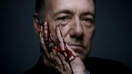 """Com exibição exclusiva, o Paramount Channel estreia a 3ª temporada do drama político """"House of Cards"""", produção original da Netflix. A série retrata os bastidores da política norte-americana e traz […]"""