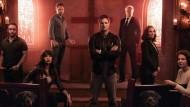 """É o fim da linha para """"Damien"""", sequência televisiva do filme """"A Profecia"""". O canal A&E decidiu não renovar a atração para uma 2ª temporada. Na série, Damien Thorn (Bradley […]"""