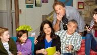 """A Warner Channel preparou novidades para os assinantes. Em fevereiro, a emissora traz três novas séries para sua grade de programação, começando pela tão aguardada """"Man With a Plan"""", com […]"""