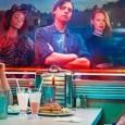 """Excelentes notícias! O canal americano The CW anunciou a renovação da novata """"Riverdale"""" para uma segunda temporada, após a exibição de apenas seis episódios. A atração narra os acontecimentos […]"""