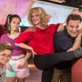"""Parece que, logo, a família Goldberg estará chegando aos anos 1990. A ABC acaba de anunciar a renovação de """"The Goldbergs"""" para mais duas temporadas. A atração, que narra […]"""